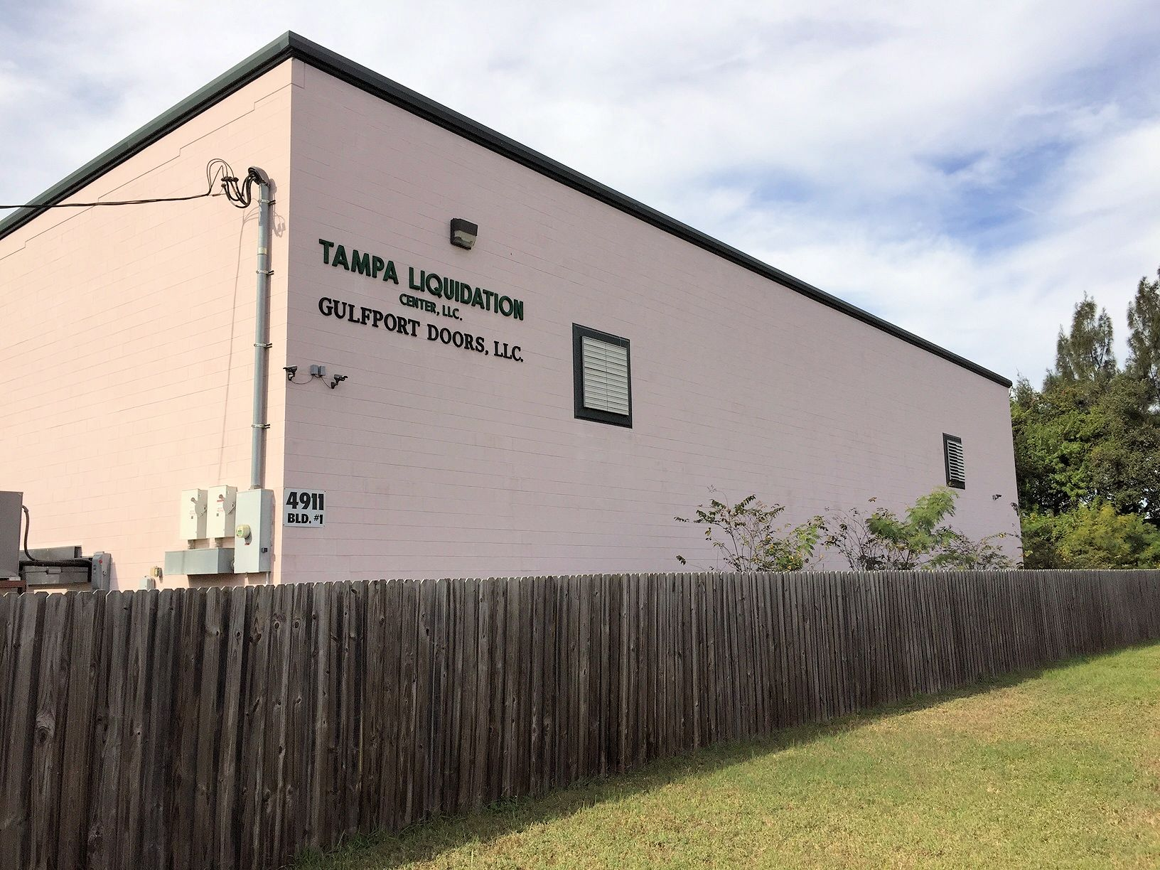 Tampa Liquidation Center | Auctions